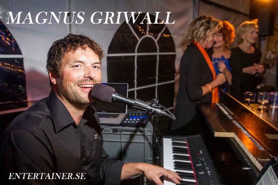 Café HolmenLIVE - Magnus Griwall på Café Holmen